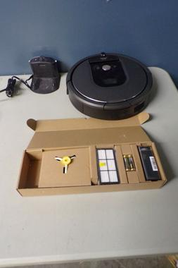 iRobot Roomba 960 WIFI Vacuum Robot with Accessories